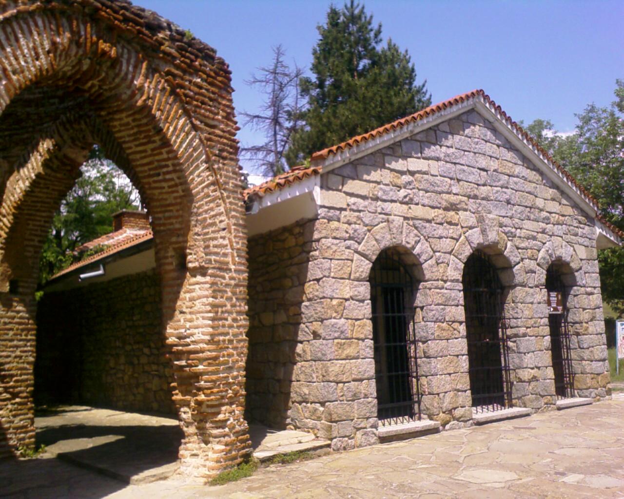 тракийска гробница казанлък 2
